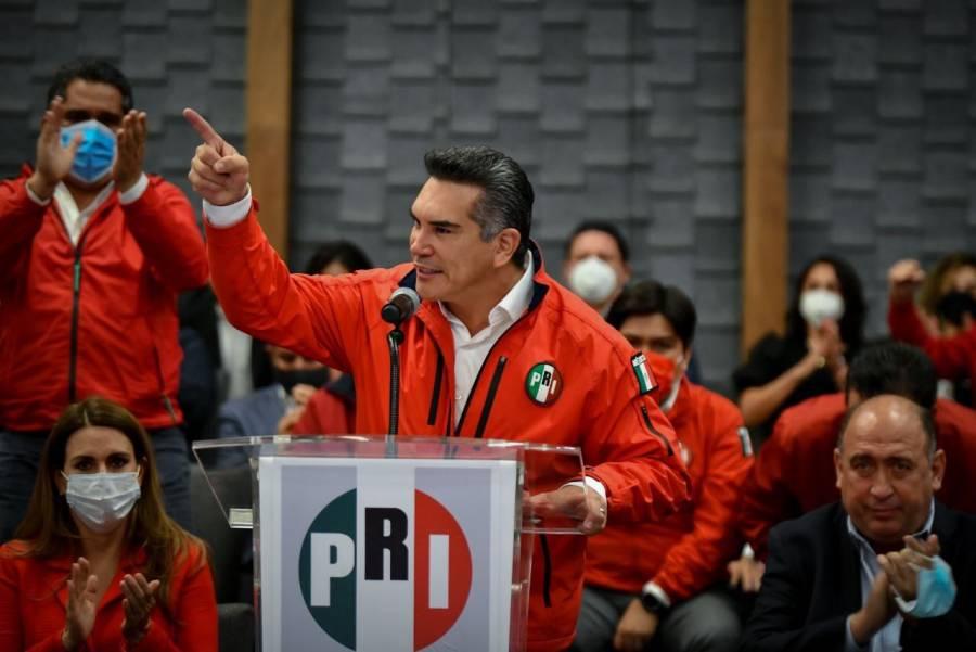 En sede alterna, Moreno señala que no hay lugar en el PRI para los cobardes