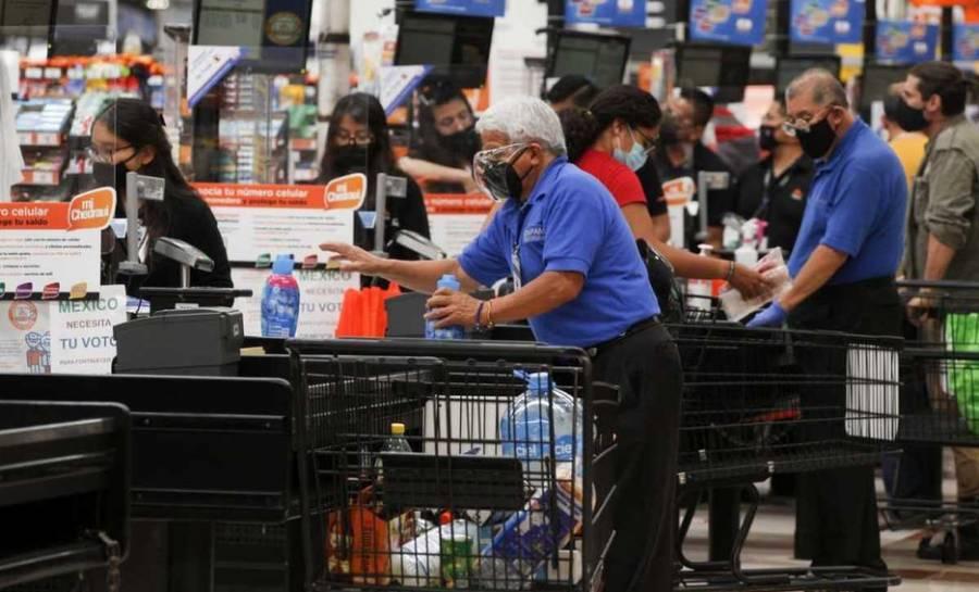 En Walmart adultos mayores vacunados podrán volver a empacar