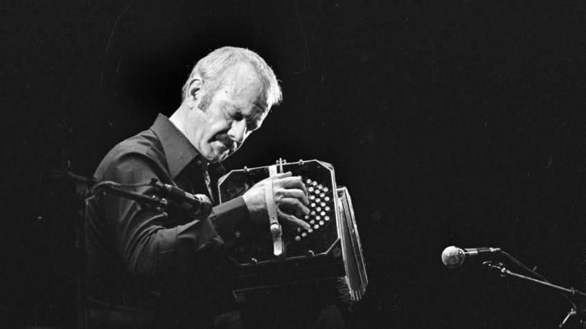 América Latina recuerda a Piazzolla, a 25 años de su muerte