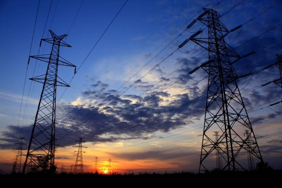 Detenidas inversiones en sector energético; se espera fallo de la Corte: Coparmex