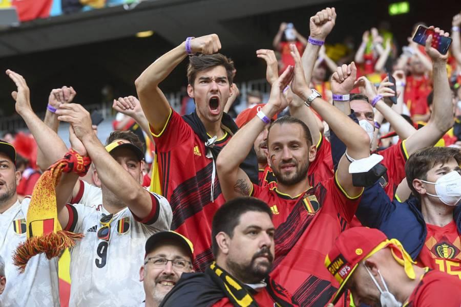Alemania autoriza hasta 25 mil espectadores en estadios de Bundesliga