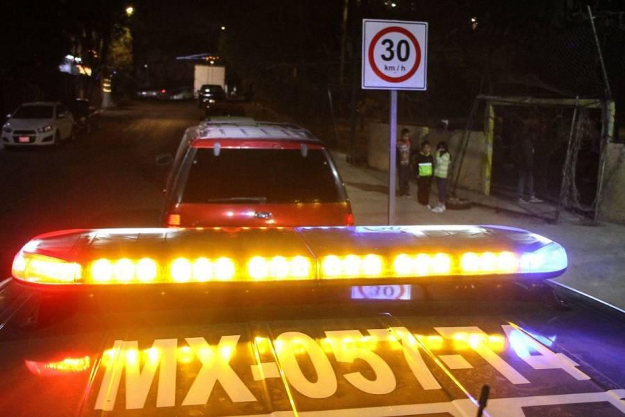Patrulla embiste camioneta sobre Viaducto; hay cinco lesionados