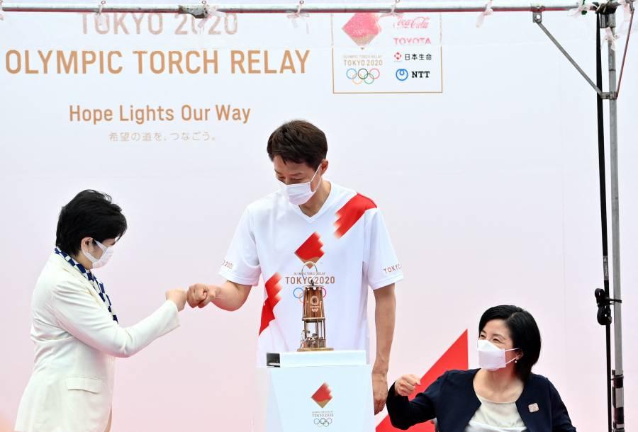 Antorcha olímpica llega a Tokio en un relevo sin público