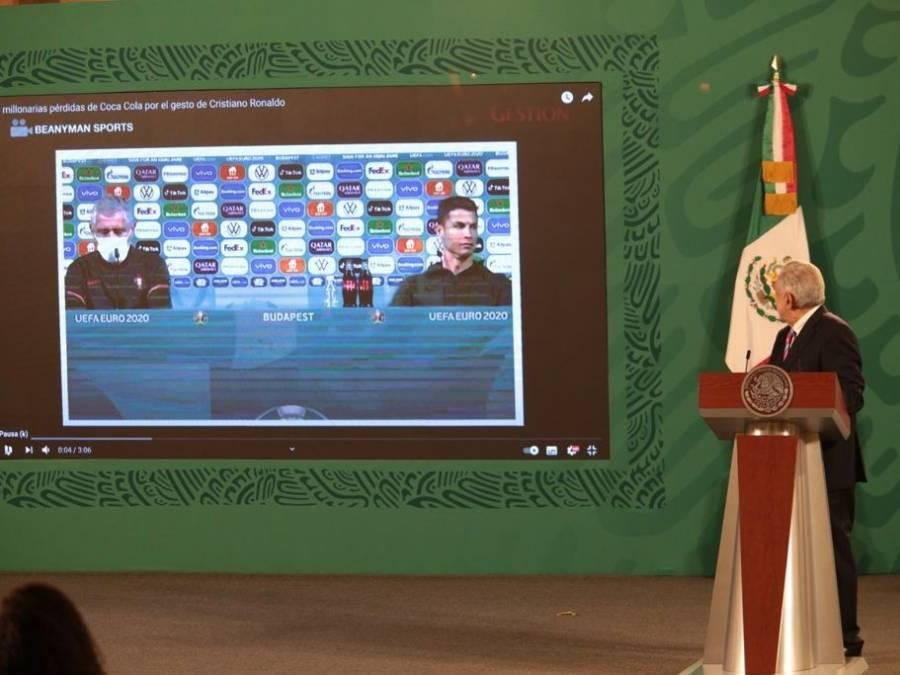 Tengan para que aprendan, dice AMLO sobre rechazo de Ronaldo a Coca-Cola
