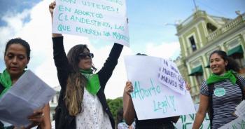 Violencia contra la mujer, evitar aborto por violación: SCJN