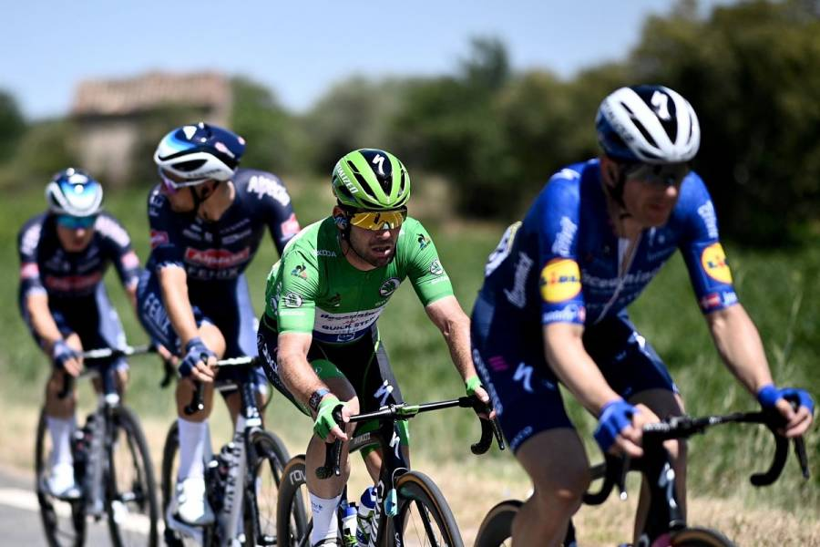 Mark Cavendish gana su 34a etapa en el Tour de Francia e iguala el récord de Eddy Merckx