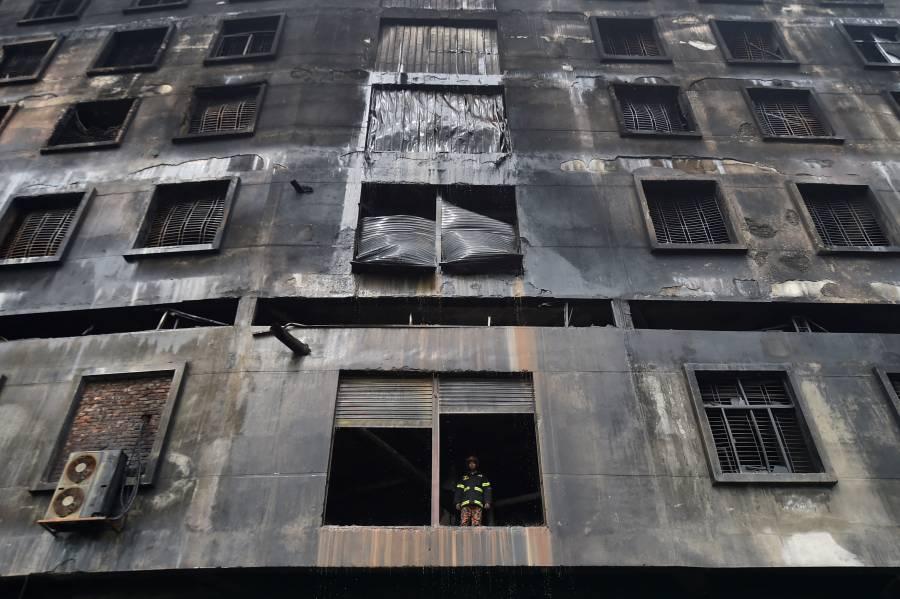 Capturan a dueño de fábrica incendiada en Bangladesh