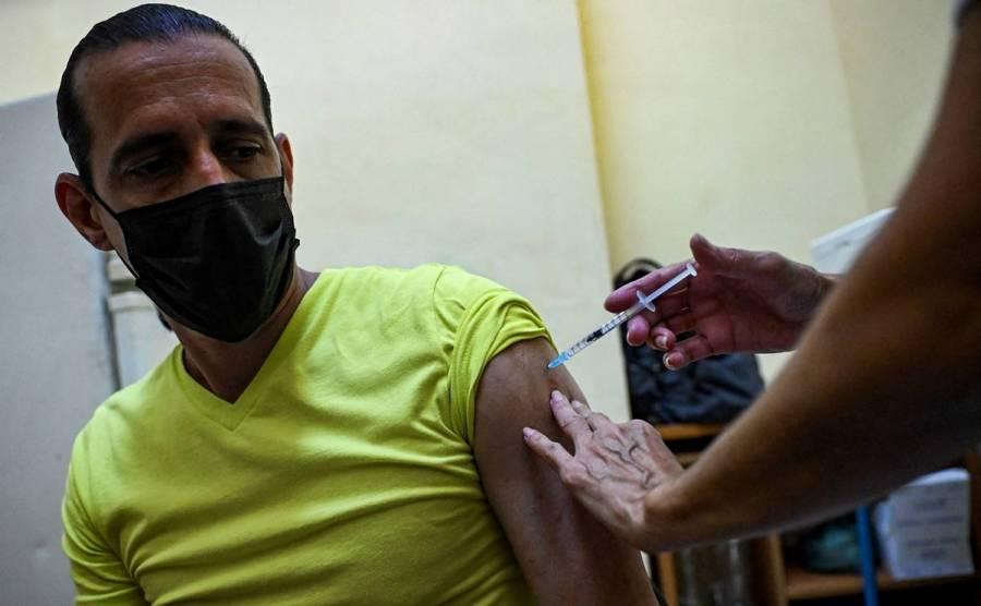 Se manifiestan cubanos para pedir vacunas antiCovid