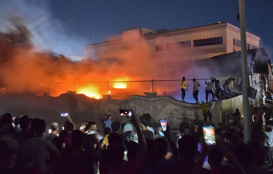Suman 92 muertos por incendio en hospital Covid-19 en Irak
