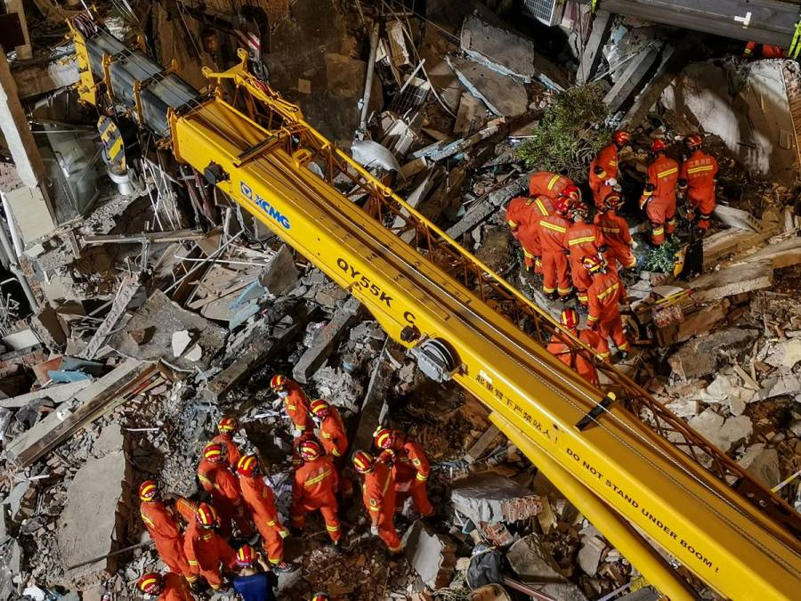 Asciende a 17 la cifra de muertos por colapso de hotel en China