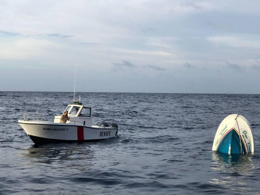 Hundimiento de embarcación turística deja tres muertos en Isla Mujeres