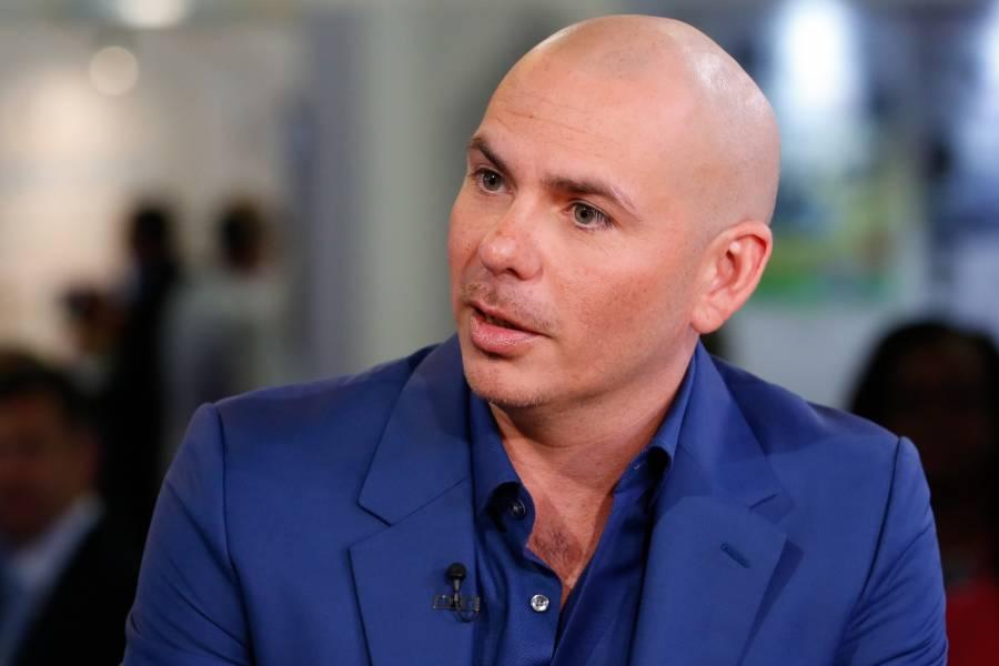 Llama Pitbull a apoyar protestas en Cuba