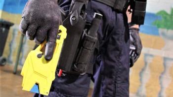 Plantea PT regular el uso y venta de pistolas eléctricas