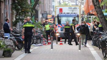 Muere periodista holandés herido de bala en Ámsterdam