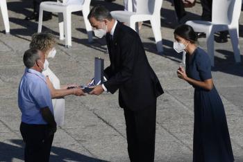 España homenajea a las víctimas del Covid-19 en pleno repunte de la pandemia