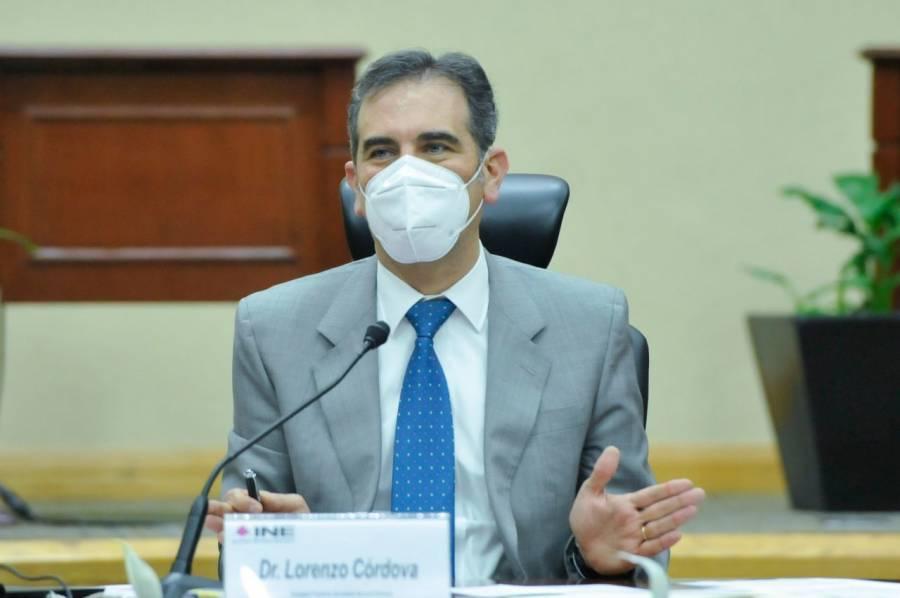 Consulta no es para enjuiciar a expresidentes, aclara Lorenzo Córdova
