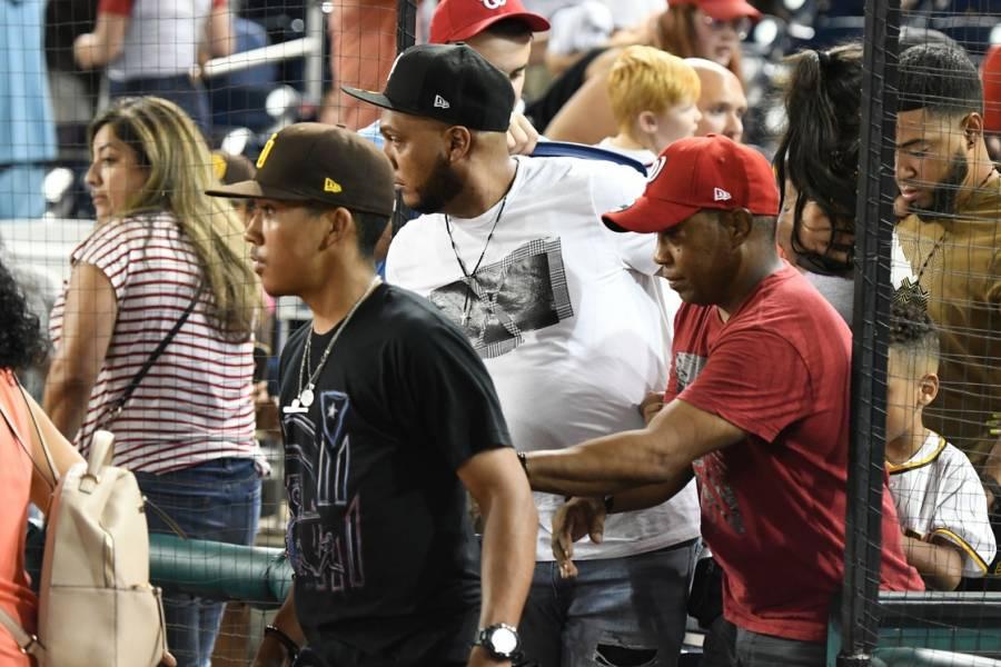Detienen partido de béisbol en Washington tras tiroteo, hay lesionados