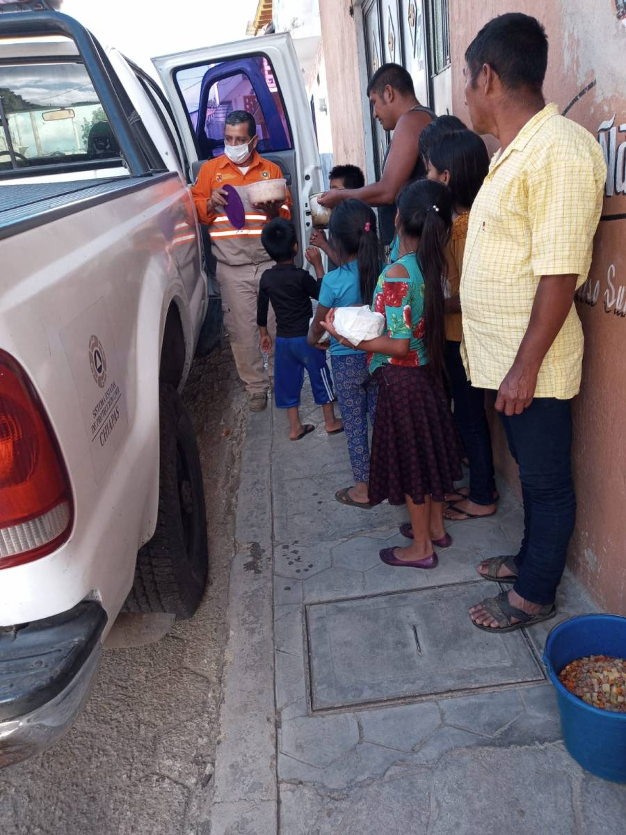 Piden a líderes religiosos y sociales de Pantelhó coadyuvar para garantizar entrega de apoyos sociales