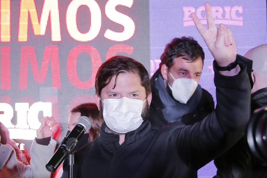 Sebastián Sichel y Gabriel Boric ganan en primarias presidenciales en Chile