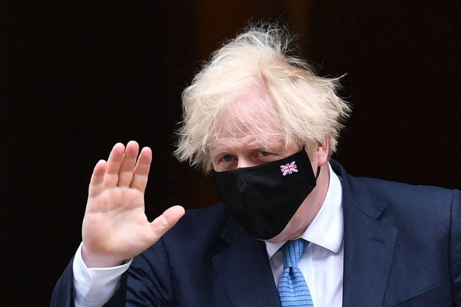 Boris Johnson, obligado a aislarse la víspera del levantamiento de restricciones por Covid-19 en Inglaterra