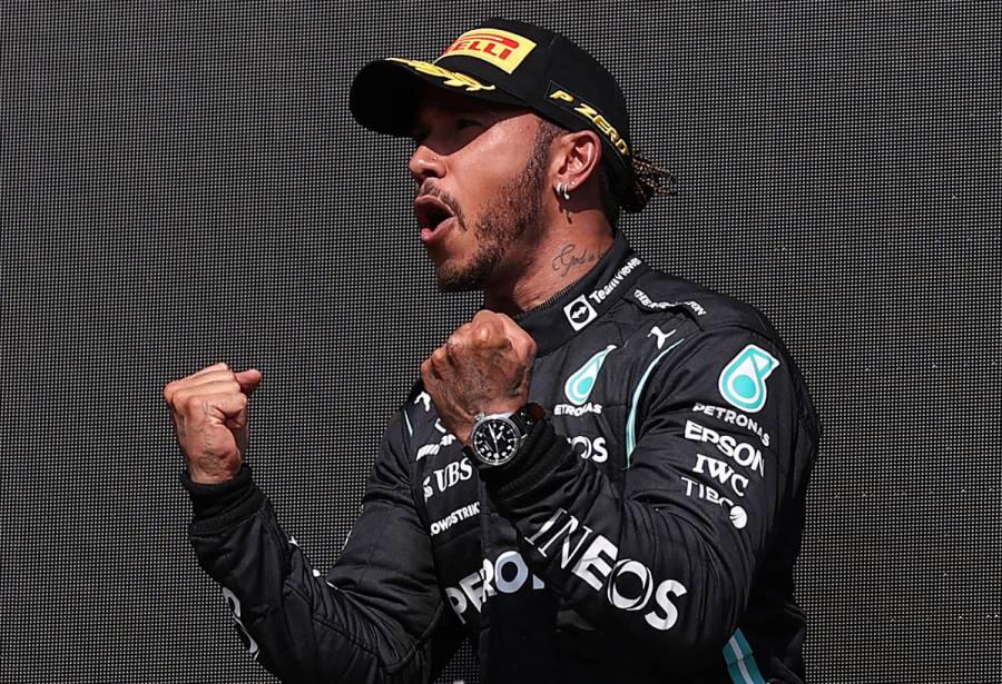 Lewis Hamilton se lleva el GP de Gran Bretaña; Checo Pérez finaliza 16