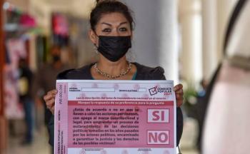 """The Economist"" considera que pregunta de consulta parece creada por Cantinflas"