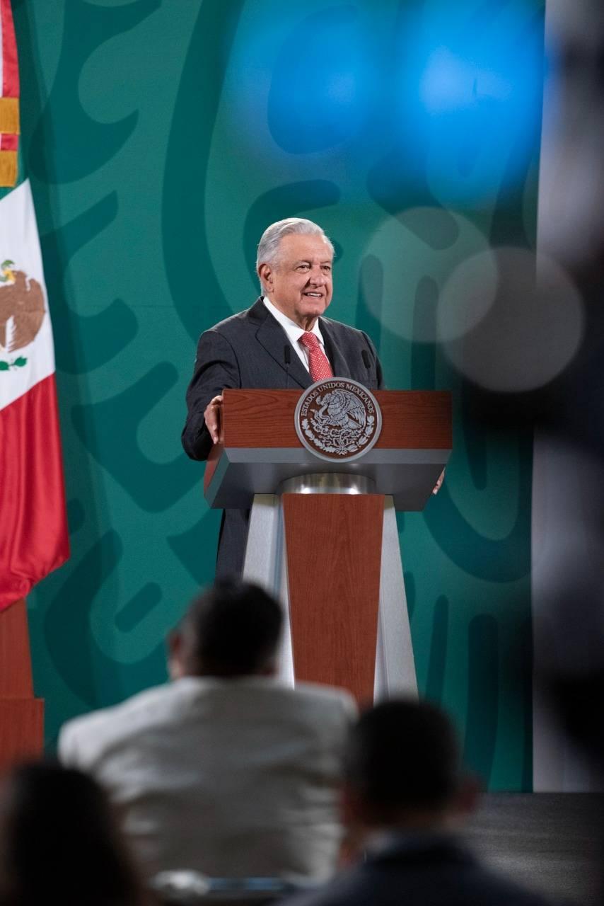 """Descalifica AMLO al grupo de autodefensa """"El Machete"""""""