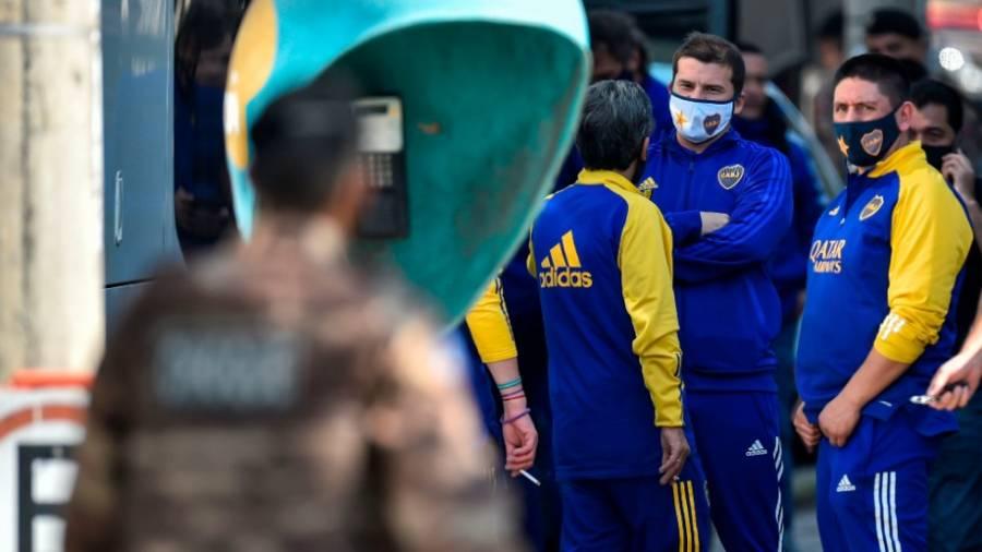 El equipo de Boca Juniors deja la comisaría de Belo Horizonte
