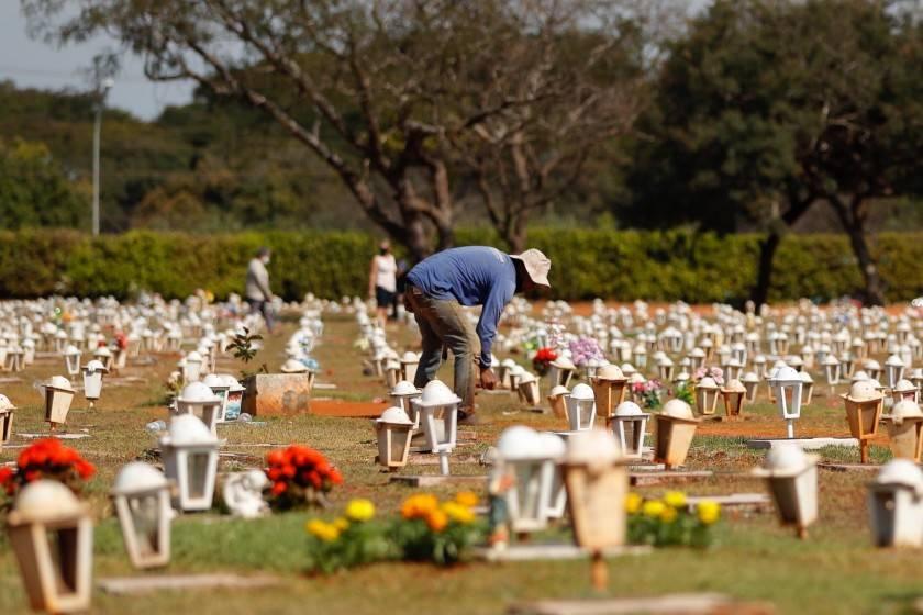 Más de un millón de niños perdieron, por la covid, a un padre o abuelo que les cuidaba