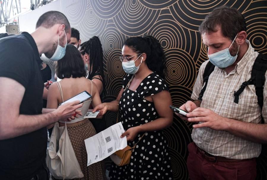 Francia puso en vigor el pasaporte sanitario