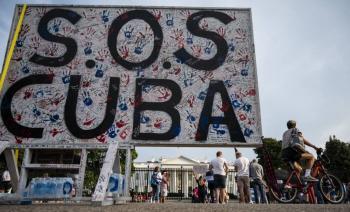 """Prevén sanciones """"fuertes"""" a Cuba por represión en protestas"""
