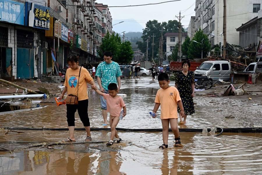 Suman 33 muertos y 8 desaparecidos en China por inundaciones