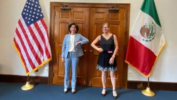 Critican a Tatiana Clouthier tras reunión en Washington