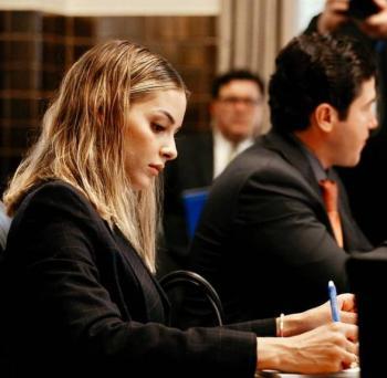 Ante CNDH, Mariana Rodríguez se queja por multa del INE a Samuel García