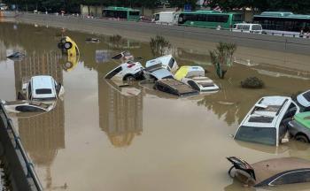 Nuevas inundaciones sumerjen el centro de China en medio de avance de tifón