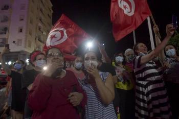 Presidente de Túnez destituye a Primer Ministro y suspende al Parlamento