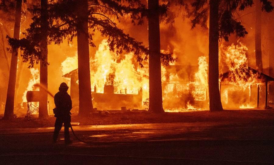 Incendios forestales afectan a 12 estados en EEUU