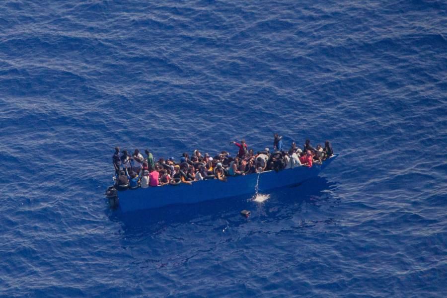 Fallecen 57 migrantes en costas de Libia