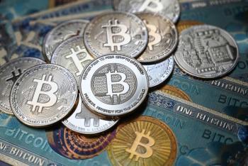 El bitcoin sube 11% y supera los 38 mil dólares