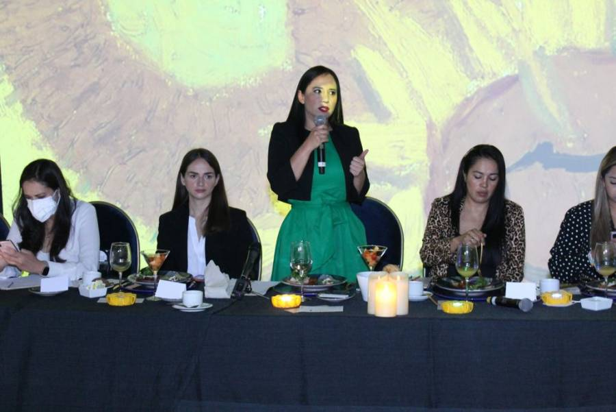 Ofrece Sandra Cuevas un gobierno cercano a la gente y empresarios