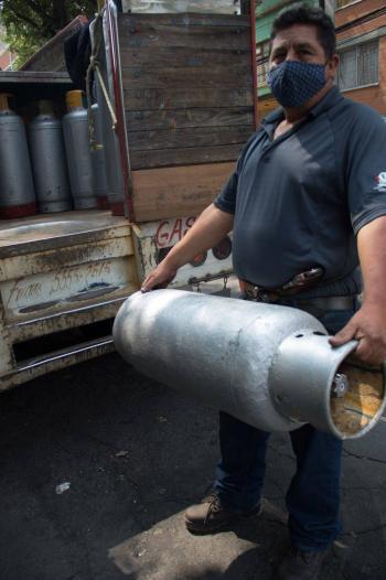 """Advierte Amexgas """"distorsiones"""" en el mercado al fijar precio de gas LP"""