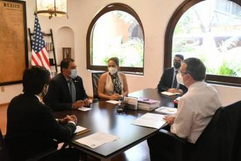 Marcelo Ebrard recibe a Ben Hueso, senador de EEUU en California