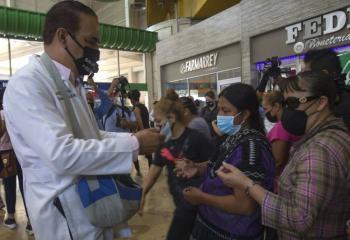 Por incremento en contagios Covid, urgen a reforzar el uso obligatorio de cubrebocas
