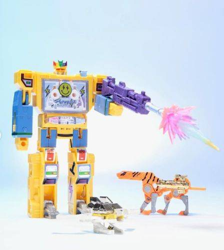 """J Balvin presume su figura de acción inspirada en """"Transformers"""""""