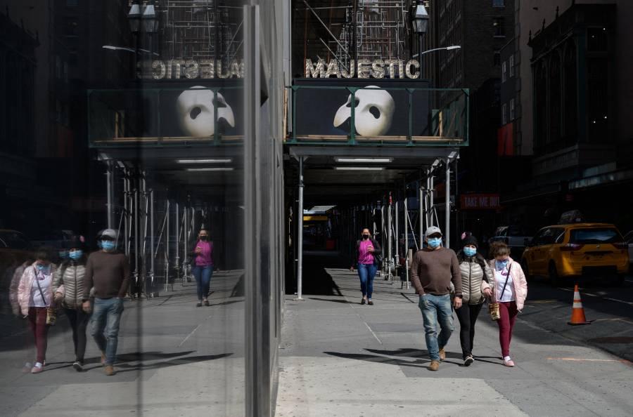 Las salas de Broadway en Nueva York exigirán vacunas y mascarillas