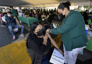 Reagendan vacunación en Iztacalco