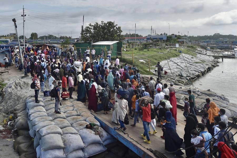 Inundaciones dejan 21 muertos y 300 mil personas desamparadas en Bangladesh