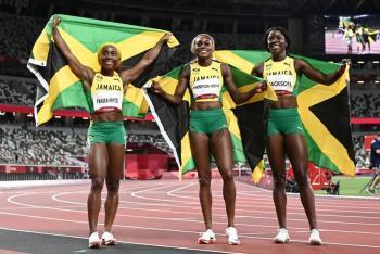 Tokio 2020 | Jamaica hace el 1-2-3 en los 100 metros de atletismo femenino