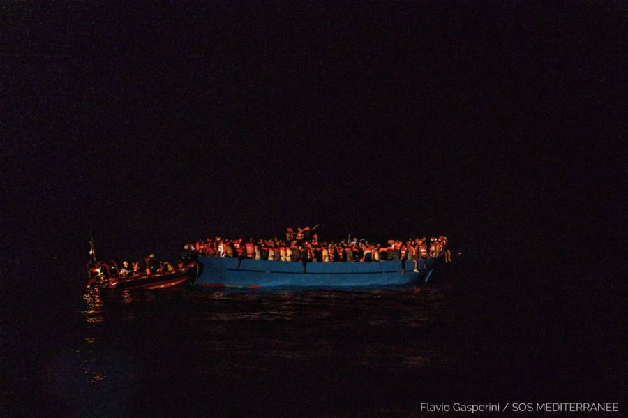 En el Mar Mediterráneo, rescatan a más de 400 migrantes
