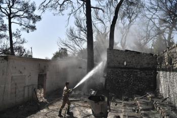 Incendios devoran bosques de la región mediterránea en países de Europa